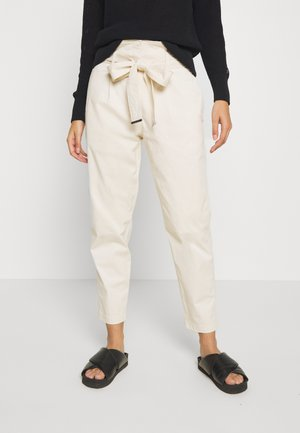 PAPER BAG  - Trousers - yax