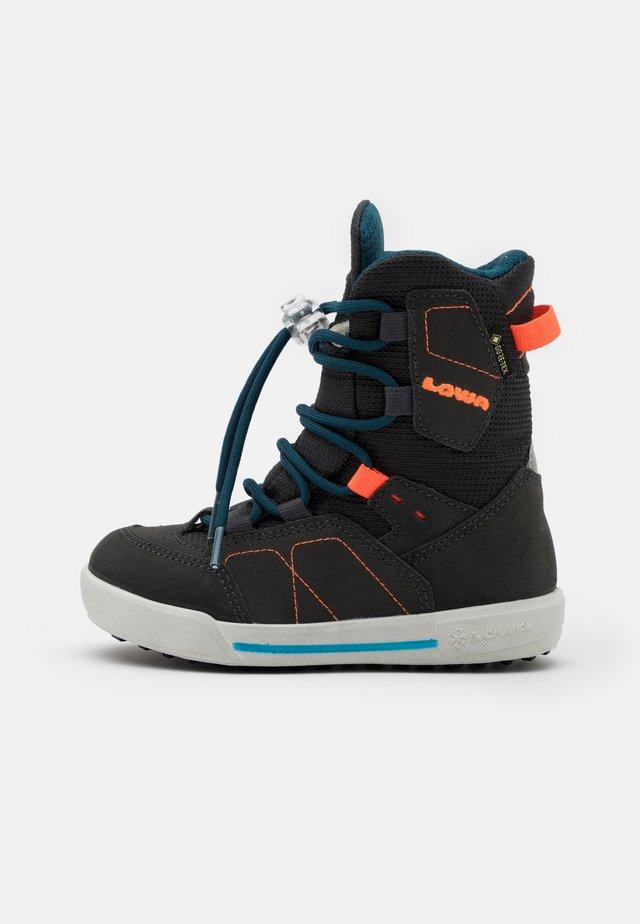 RAIK GTX UNISEX - Winter boots - anthracite/petrol
