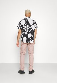 Obey Clothing - FRUIT STAND WOVEN - Shirt - black/multi - 3