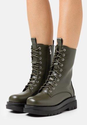 DAHLIA - Platform ankle boots - khaki
