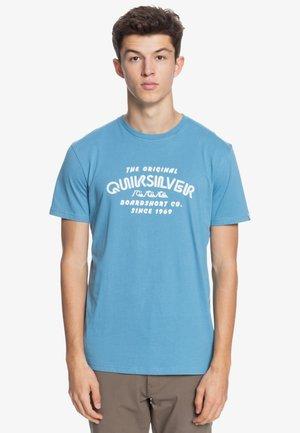 WIDER MILE - Print T-shirt - blue heaven