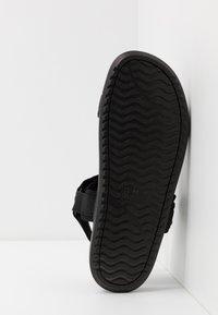 Cotton On - TAKASHI - Chodecké sandály - black - 4