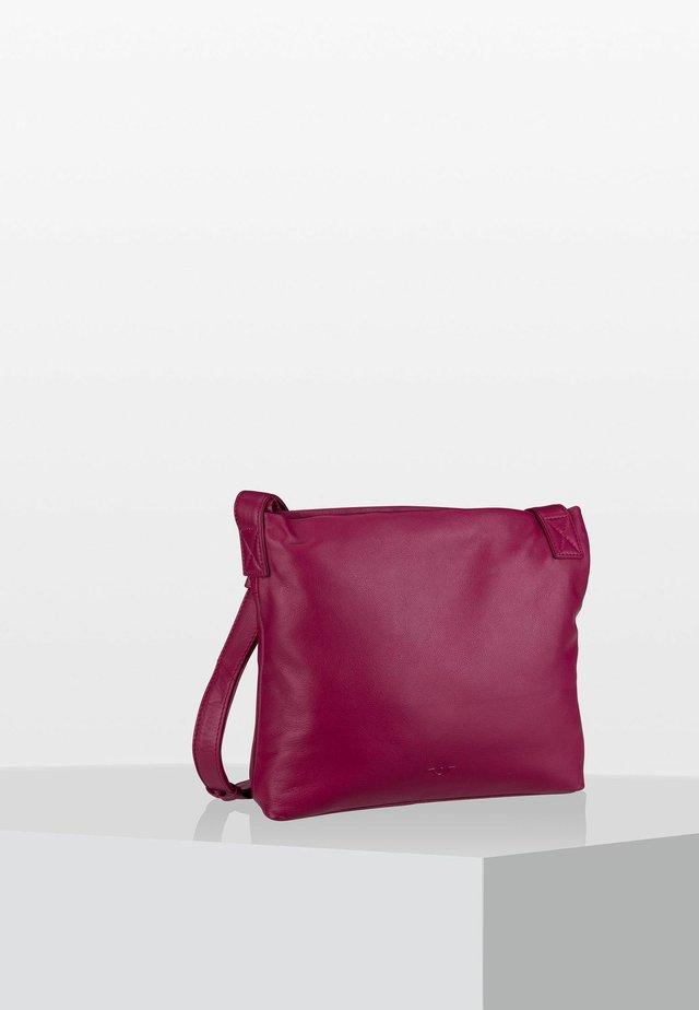 CROSSOVER - Across body bag - fuchsia