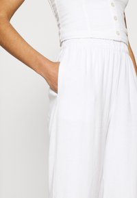 Abercrombie & Fitch - EVERYDAY PULL ON - Tygbyxor - white - 4