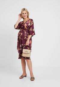 Hope & Ivy Maternity - KIMONO DRESS - Denní šaty - bordeux - 1