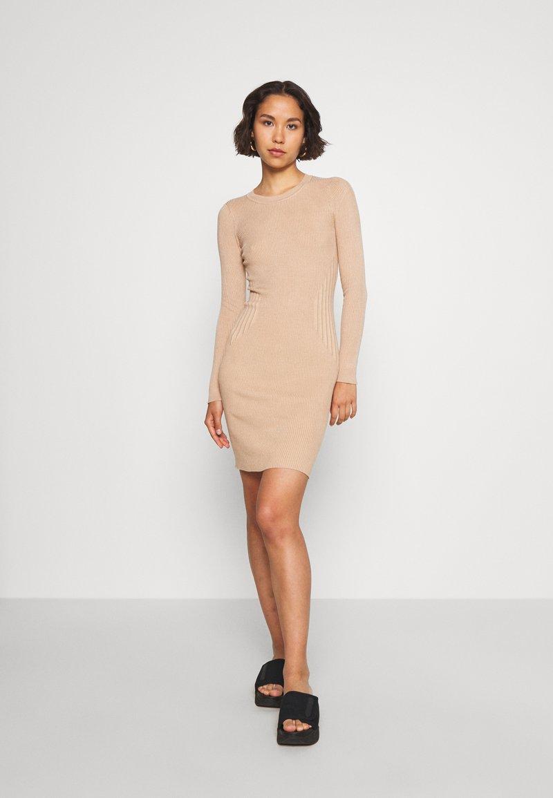 Even&Odd - JUMPER DRESS - Pouzdrové šaty - cuban sand