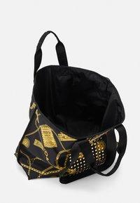 Versace Jeans Couture - Velká kabelka - black - 3