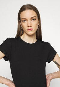 Vero Moda - VMLENA CAP SLEEVE - Basic T-shirt - black - 3