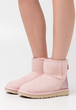 CLASSIC MINI II METALLIC - Bottines - pink cloud