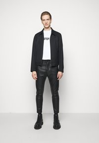 DRYKORN - JEGER - Trousers - black - 1