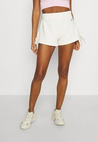 KENDALL + KYLIE - RIBBON - Shorts - off white - 0