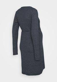 MAMALICIOUS - MLSANDIE TESS DRESS - Vestido ligero - navy blazer/snow white - 1