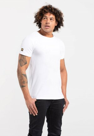 LIMITED TO 360 PIECES - Basic T-shirt - white