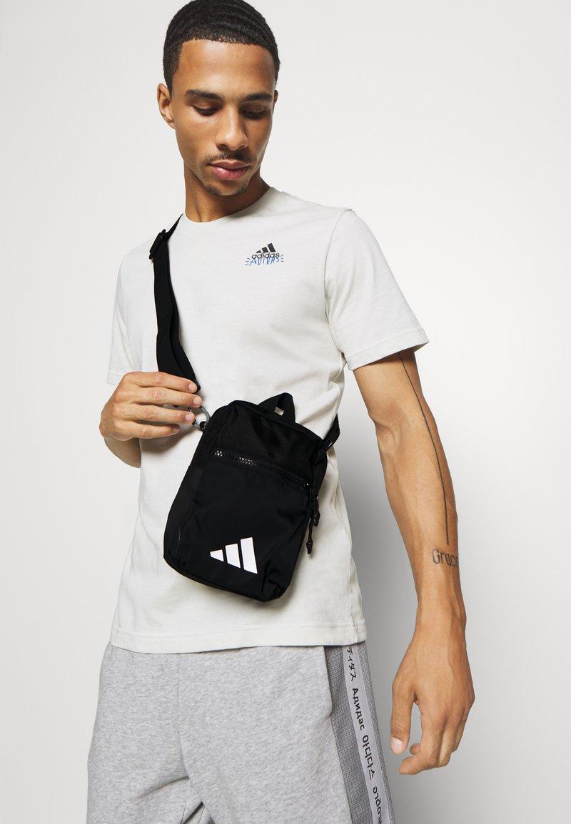 adidas Performance - PARKHOOD UNISEX - Taška spříčným popruhem - black/white