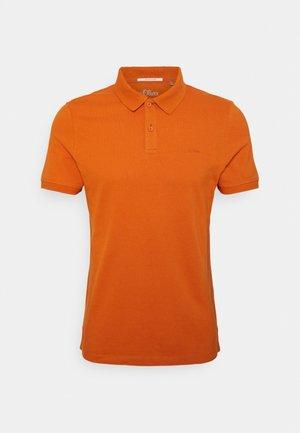 Piké - light orange