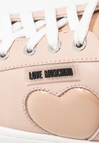Love Moschino - Sneaker low - powder - 2