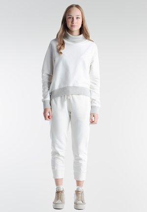Sweatshirt - milky