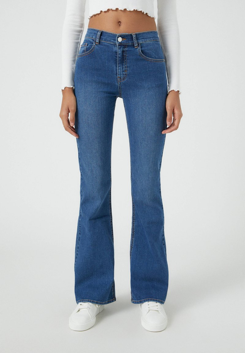 PULL&BEAR - FLARE - Jeansy Bootcut - mottled blue