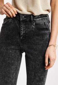 Pimkie - PUSH UP - Jeans Skinny Fit - anthracite/gray - 3