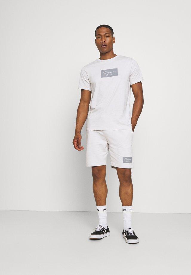BOX LOGO TWINSET SET - T-shirt con stampa - white