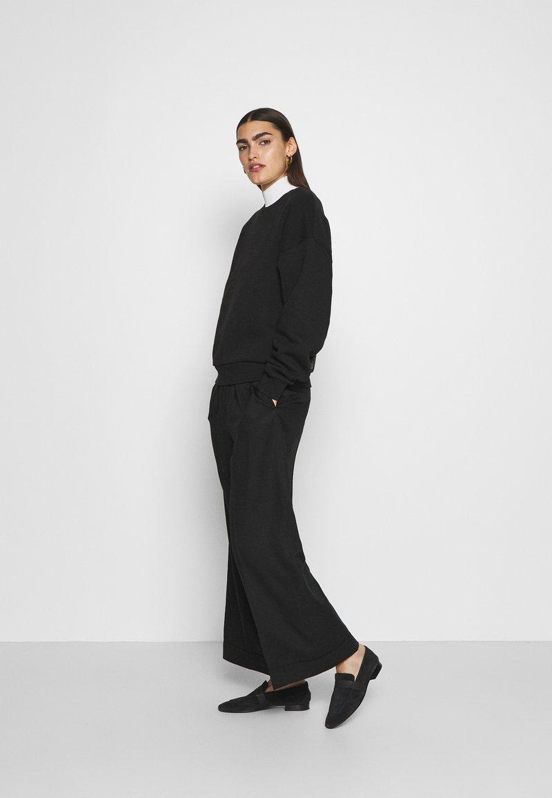 CLOSED - WOMEN - Sweatshirt - black
