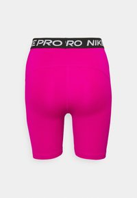 Nike Performance - SHORT HI RISE - Legginsy - fireberry/black/white - 7
