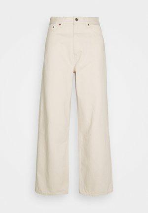 OMAR - Jeans baggy - ecru