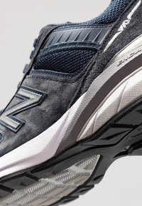 New Balance - W990 - Sneakers - navy/silver - 2