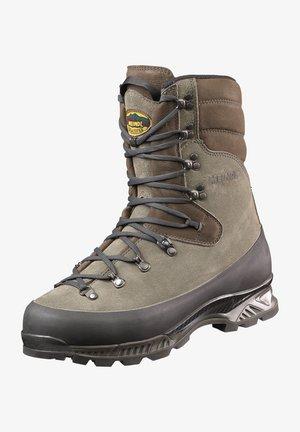 Mountain shoes - green