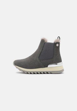 ORTRAND - Kotníkové boty - jeans