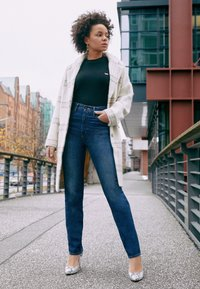 Levi's® - 70S HIGH STRAIGHT - Straight leg jeans - standing steady - 4