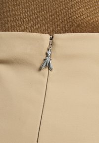 Patrizia Pepe - GONNA SKIRT - Pencil skirt - triking beige - 4