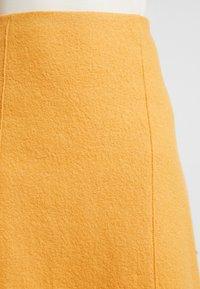 Marc O'Polo - SKIRT SHORT STYLE - A-line skjørt - amber wheat - 4