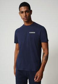Napapijri - S SURF - Print T-shirt - medieval blue - 0