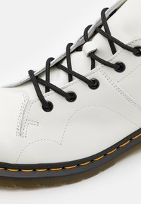 Dr. Martens - CHURCH MONKEY BOOT UNISEX - Lace-up ankle boots - white - 5