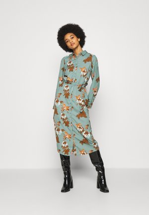 VMCRANE DRESS - Shirt dress - laurel wreath/small crane