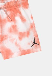 Jordan - GIRL - Pantalón corto de deporte - arctic orange - 2