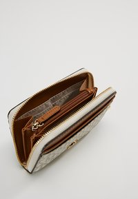 MICHAEL Michael Kors - MONEY PIECES COIN CARD CASE - Lommebok - vanilla - 5