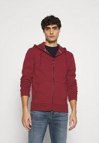 Springfield - BASICA ABIERTA - Zip-up hoodie - red - 0