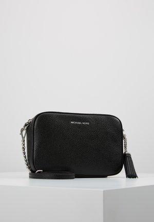 JET SET CAMERA BAG MERCER PEBBLE - Across body bag - black