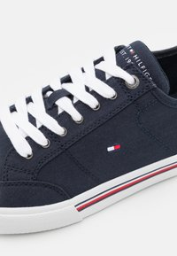 Tommy Hilfiger - CORE CORPORATE - Sneakers laag - desert sky - 5