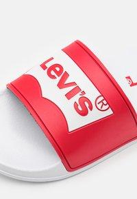 Levi's® - POOL UNISEX - Mules - red/white - 5