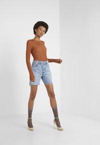 Agolde - RUMI MID LENGTH - Denim shorts - renewal - 1