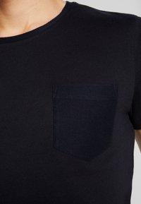 TOM TAILOR DENIM - IN NEW STRUCTURE - Basic T-shirt - sky captain blue - 4