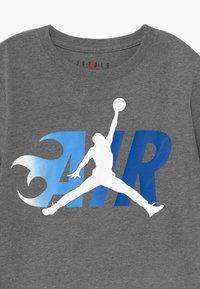 Jordan - AIR FLAME - T-shirt con stampa - carbon - 2