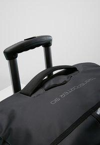 Osprey - ROLLING TRANSPORTER - Wheeled suitcase - black - 9