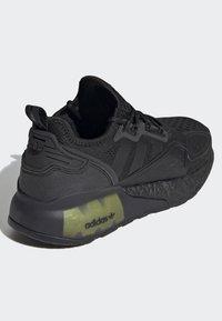 adidas Originals - ZX 2K BOOST J - Trainers - black - 5