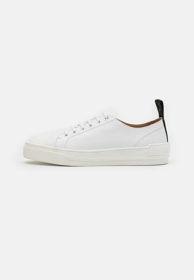 COURT DERBY SHOE - Baskets basses - white