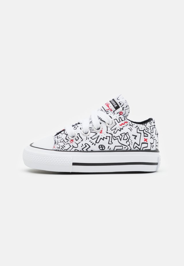 CHUCK TAYLOR ALL STAR UNISEX - Baskets basses - white/black/red