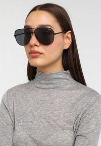 QUAY AUSTRALIA - Sluneční brýle - high key - 2